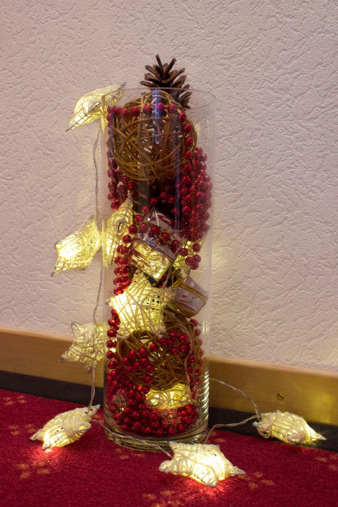 Weihnachtsdeko - Gefüllte Vase