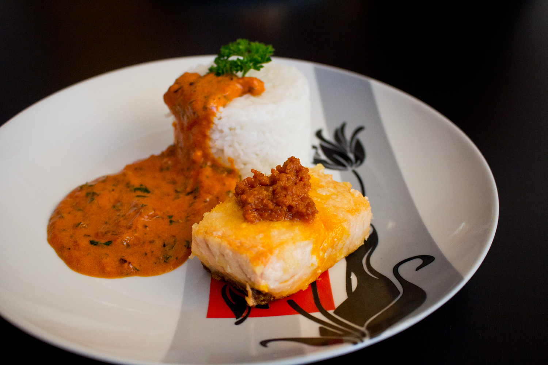Lachs mit Pestosoße dazu Reis